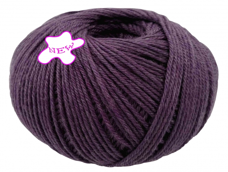 W052 - merino blended yarn